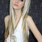 dlouhe-emo-ucesy-blond