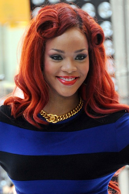 rihanna curled her short layers for lift and texture while Quoteko