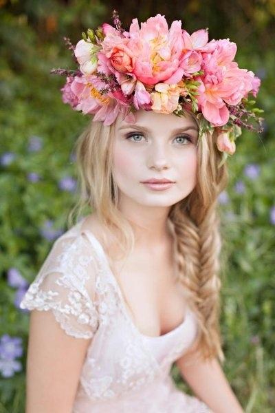 živé květiny do vlasů