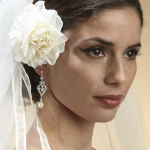 1-bride-with-white-flower-in-hair