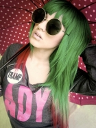 green-red-haircolor