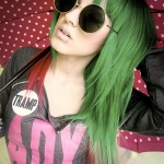 green-red-haircolor