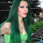 green_hair_by_daelyth