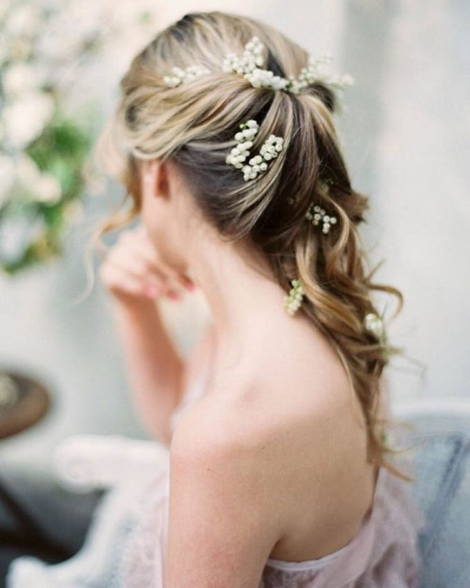 zapletené vlasy svadba