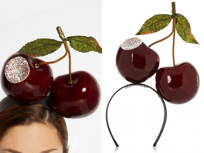 Čelenka s třešněmi.