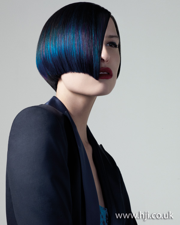 Modré odstíny vlasů.