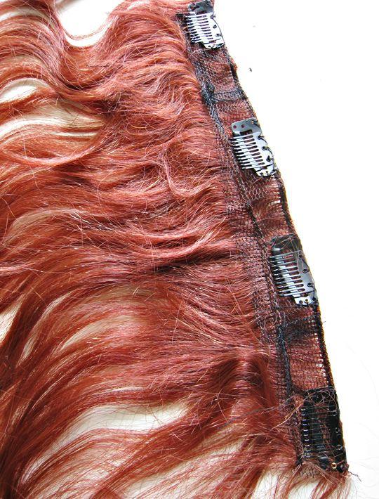 Péče o clip-in vlasy.