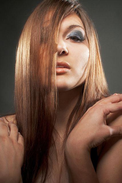 Prodlužování vlasů.