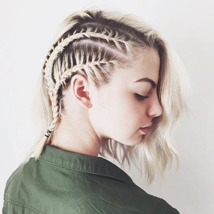 polozapletené vlasy