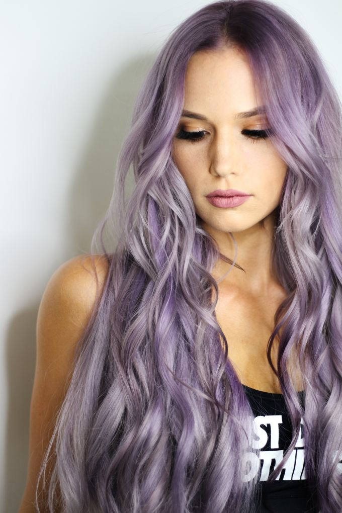 barevné vlny na vlasech