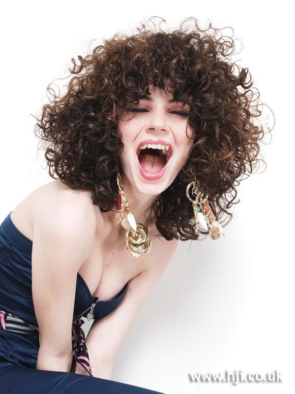 střih pro kudrnaté vlasy difuzér