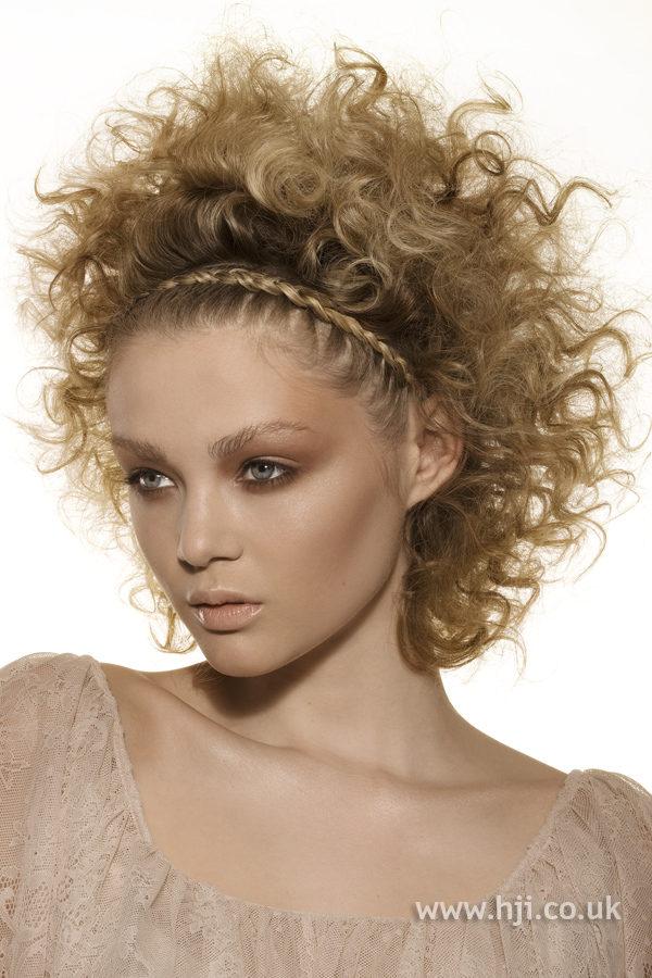 kudrnaté vlasy tip na účes