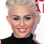 miley-cyrus-quiff-blonde-hair