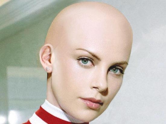 vyholená hlava ženy