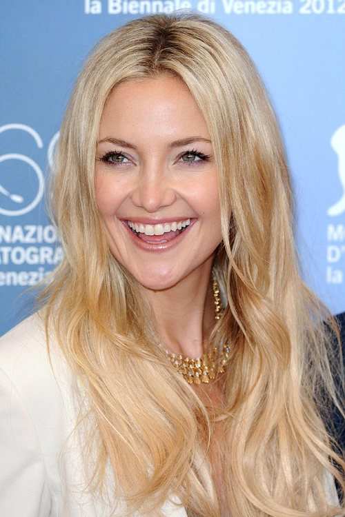 písková blond barva