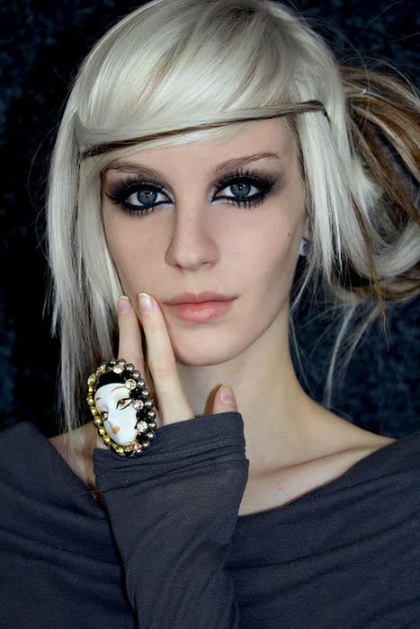 Blond vlasy hnědý melír ombre