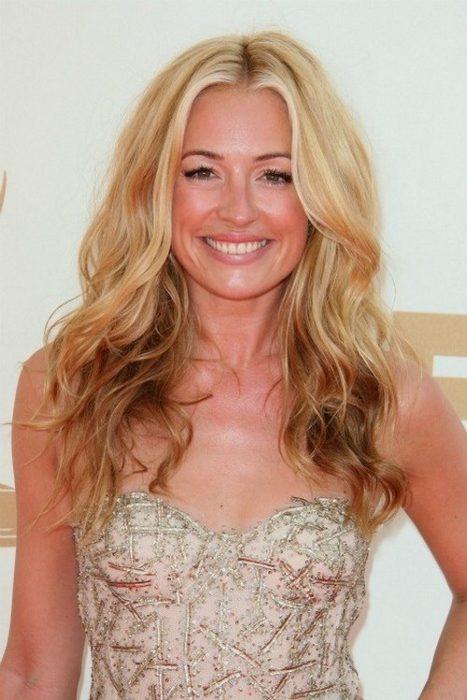 Blond vlasy s hnědým melírem