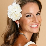biely-kvet-vlasy-svadba