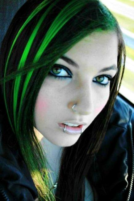 zelený melír účes dámsky