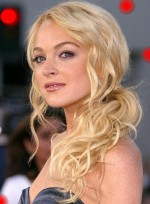 10-blond-kucerave-curly-lohan