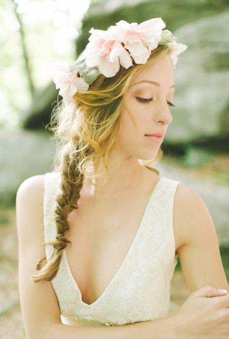 Květinový svatební věneček