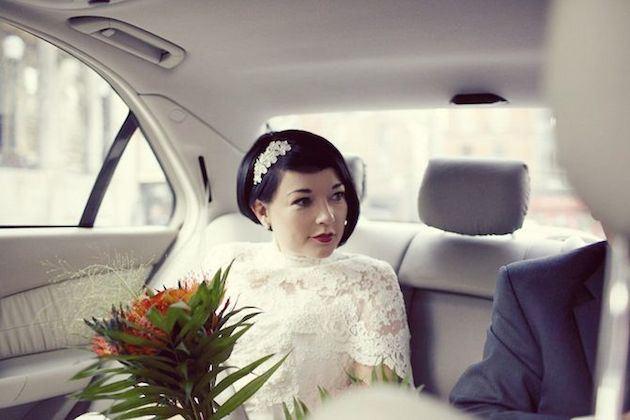 asymetrický svatební účes