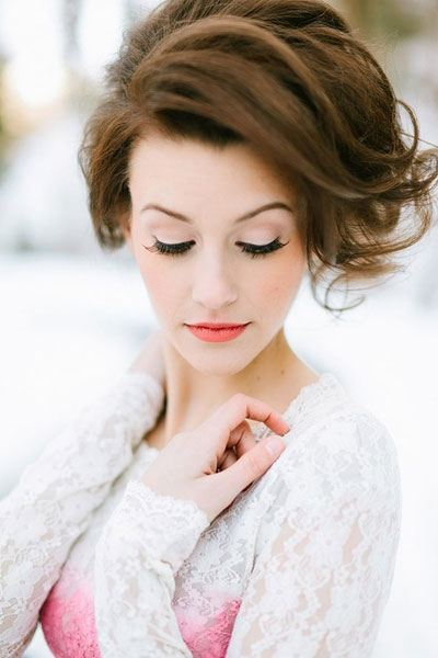 Krátke vlasy svadobné