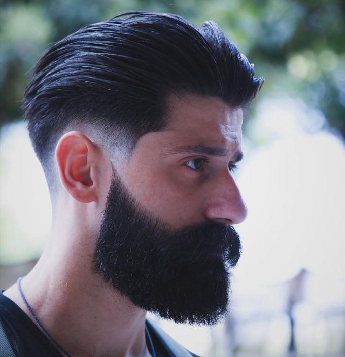 krátký hipsterský sestřih vlasů brady